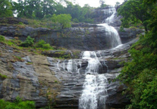 cheeyappara waterfalls in munnar