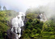 chinnakanal waterfalls in munnar